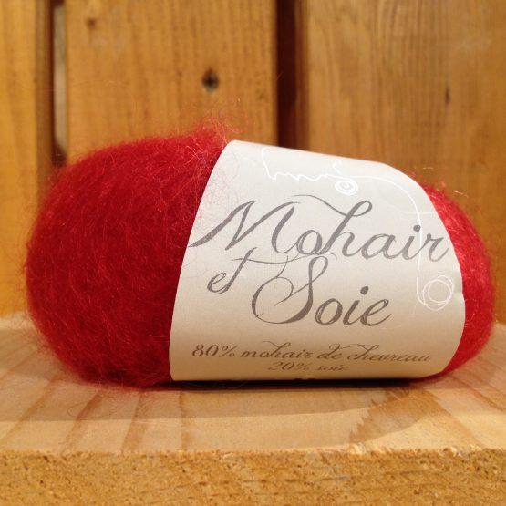 mohair et soie couleur rouge cerise