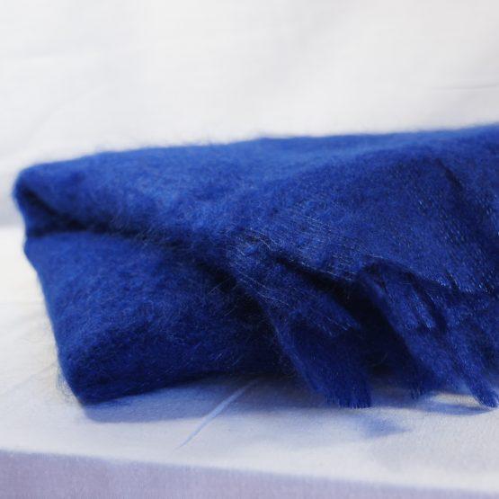 étole en mohair français bleu klein