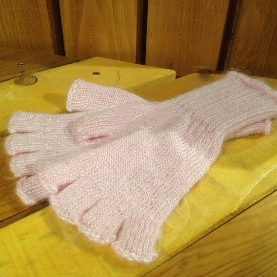 mitaines mohair couleur rose pourpre