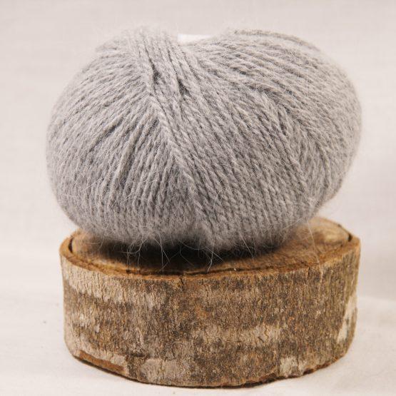 angora français couleur gris clair