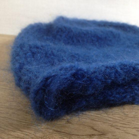 bonnet en pur mohair français couleur bleu hollandais
